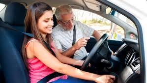 Ce greseli faci atunci cand alegi instructorul auto